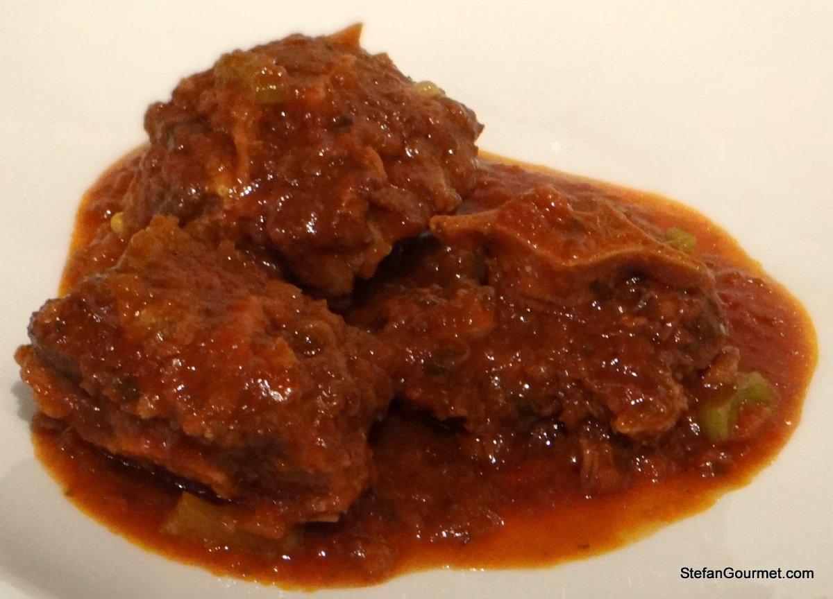 Coda alla Vaccinara (Oxtail Stewed in Tomato Sauce) | Stefan's Gourmet ...