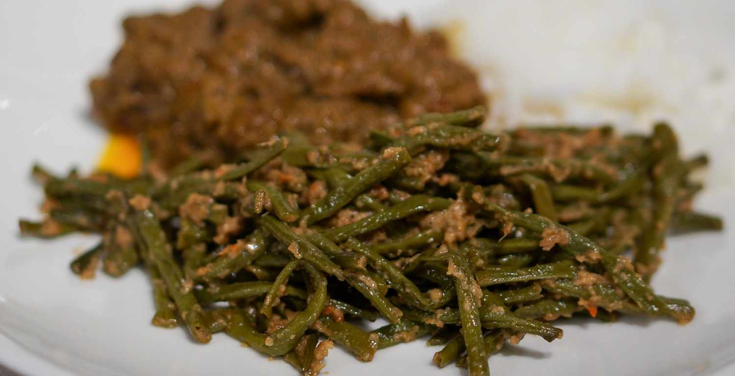 Indonesian Spicy Green Beans (Sambal Goreng Buncis