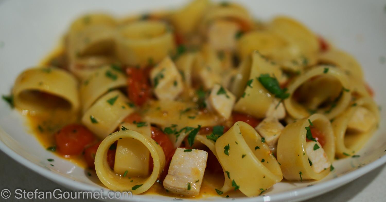 Calamarata Pasta with Swordfish Ragù (Calamarata con Ragù di Pesce Spada) – Stefan's Gourmet Blog