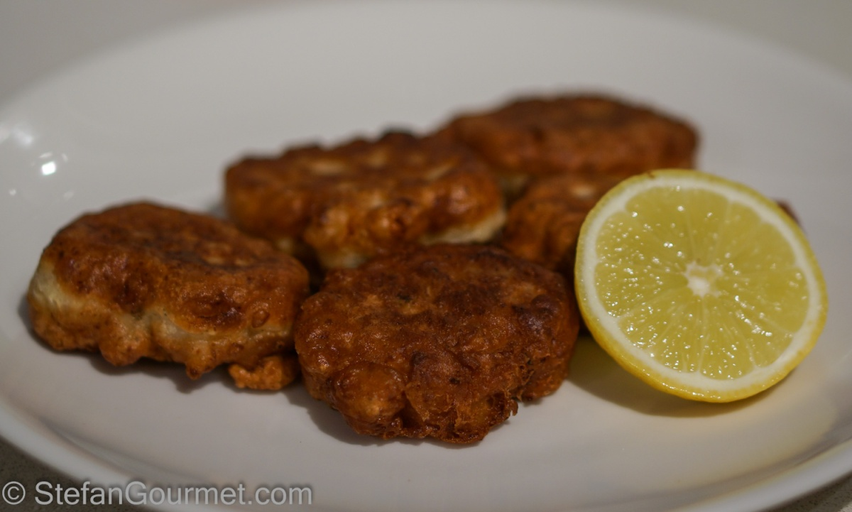 How To Make Clam Cakes With Fresh Clams