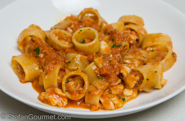 Calamarata al Ragù di Pesce (Pasta with Fish Ragù) – Stefan's Gourmet Blog