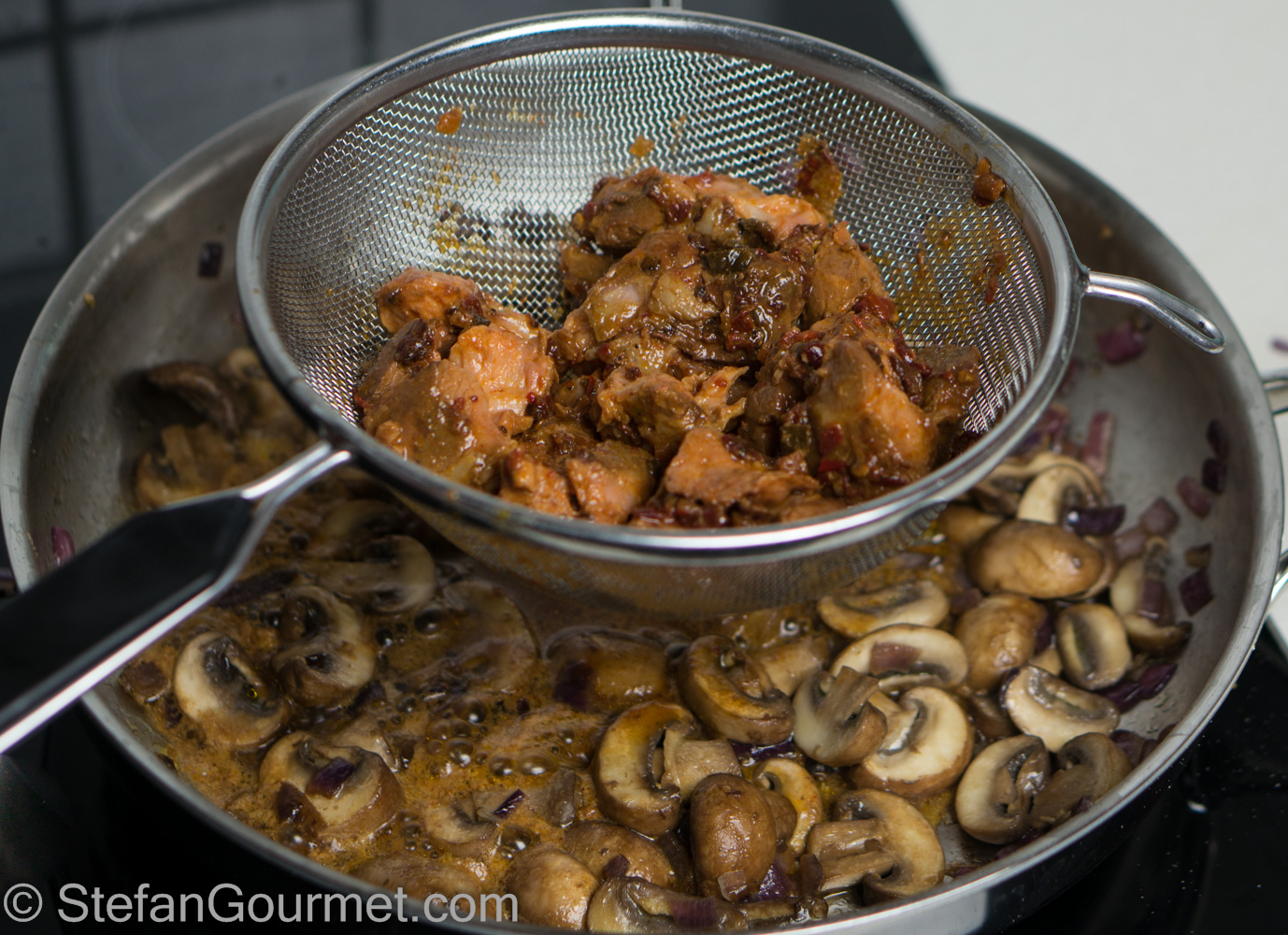 how to cook mushroom adobo