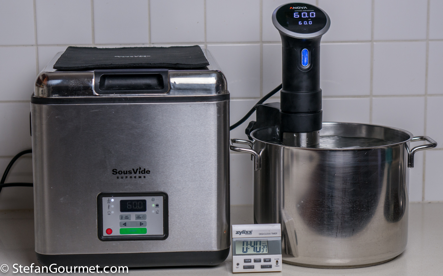 sous vide equipment review sousvide supreme vs anova precision cooker stefan 39 s gourmet blog. Black Bedroom Furniture Sets. Home Design Ideas